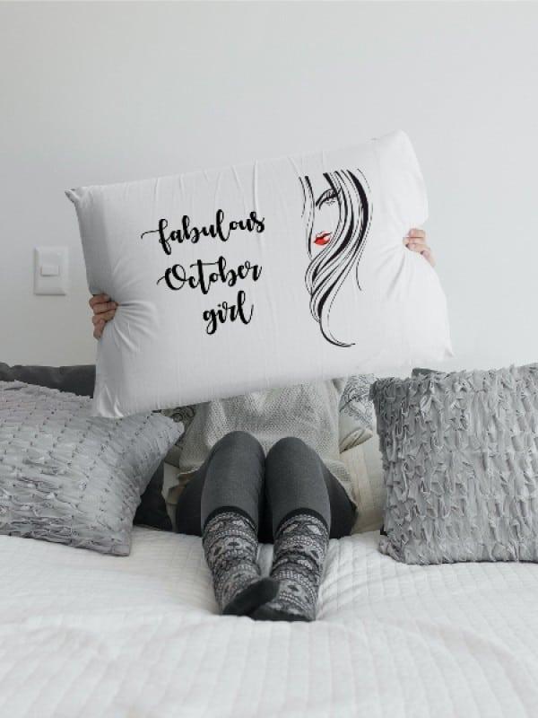 Калъфка с дизайнерски принт и надпис Fabulоus October girl