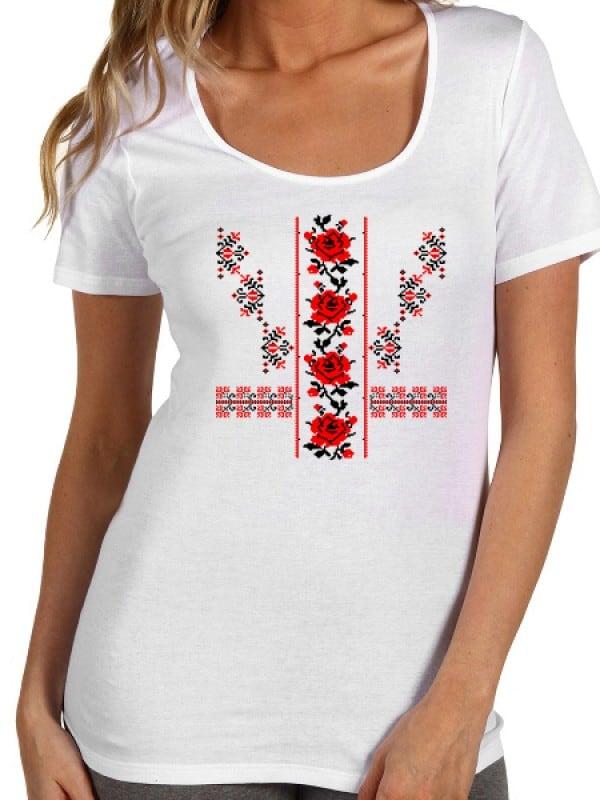 Дамска тениска с народни шевици